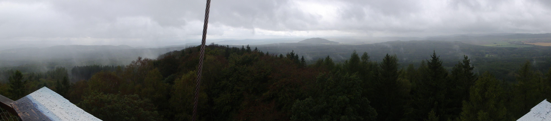 Výhled z rozhledny Máminka na vrcholu Krušné hory (609 m)
