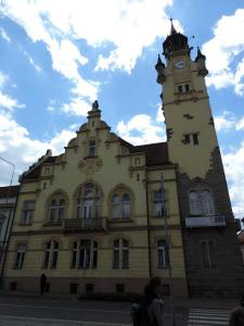 Secesní radnice (1906-7) na lovosickém Václavském náměstí