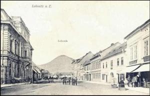 ...a podobný pohled v roce 1914 (historická budova vlevo je zachycena na předchozím snímku, repro z fotohistorie.cz)